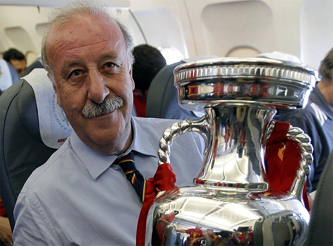 Defending champions Spain win Euro 2012 to complete historic treble